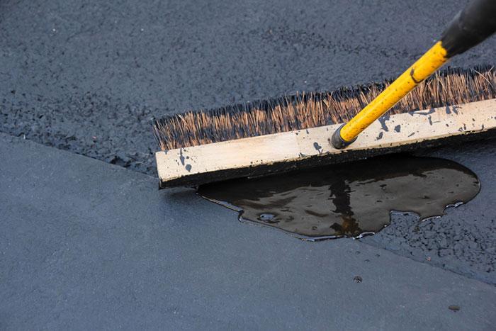 Asphalt driveway sealing and resurfacing, Eugene